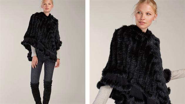 Velmi lehké černé pončo s kapucí je vyrobeno z králičí kožešiny v kombinaci s pleteninou a zaujme moderními bambulemi na spodním lemu. Pončo působí spíše ležérnějším dojmem a skvěle vynikne s úzkımi džínami. Z kolekce: KARA, 3490 Kč