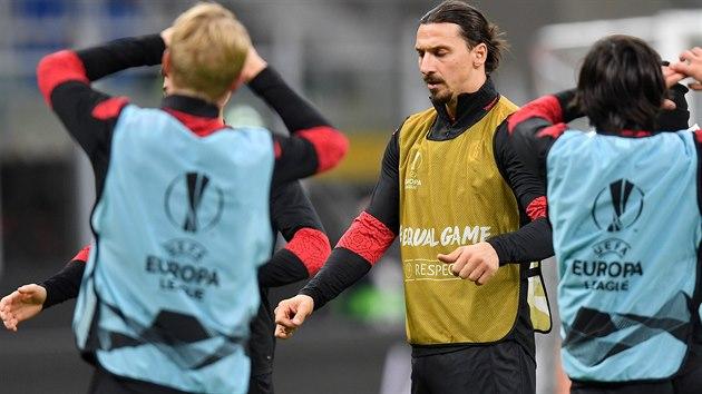 Zlatan Ibrahimovic se spoluhráči z AC Milán se připravuje na utkání Evropské ligy proti Spartě.