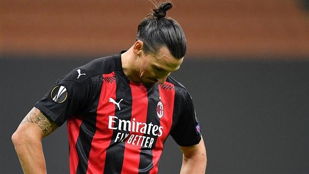Zlatan Ibrahimovic z AC Milán právě zahodil penaltu v utkání Evropské ligy proti Spartě.