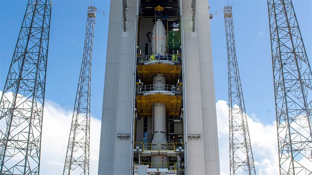 Příprava rakety Vega k misi VV17 v jejímž rámci vynese sondu TARANIS do vesmíru.