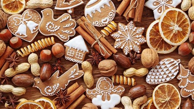 Nejen perník, ale i další cukroví domov na Vánoce příjemně provoní.