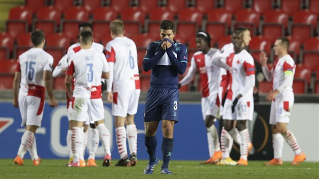 Zatímco se fotbalisté Slavie radovali z dalšího gólu, David Keltjens z Beer Ševy zpytoval svědomí.