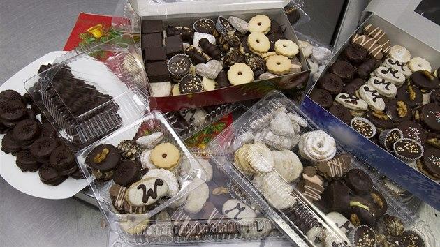 Cukráři nabízejí i přes 50 druhů vánočního cukroví. (9. prosince 2020)