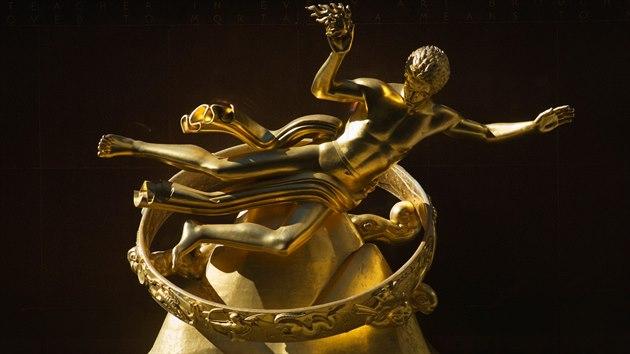 Slavná socha Promethea v Rockefellerově centru v New Yorku