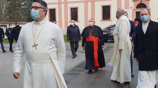 Na slavnostní odhalení objevu do Milevska přijel i kardinál Duka.