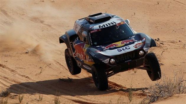 Stephane Peterhansel v šesté etapě Rallye Dakar.