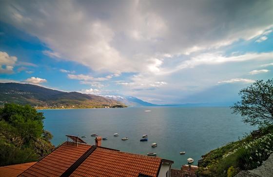 Ohridské jezero je nejstarším jezerem v Evropě.