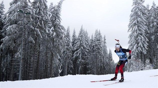 Sturla Holm Lägreid z Norska běží sprint v Oberhofu.