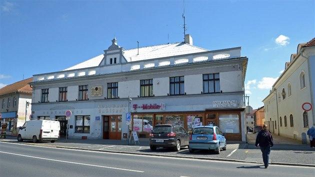 Když provozovna zvaná původně podle dřívějšího nájemce Peklo v roce 2013 osiřela, nezbyla na Masarykově náměstí jediná restaurace.