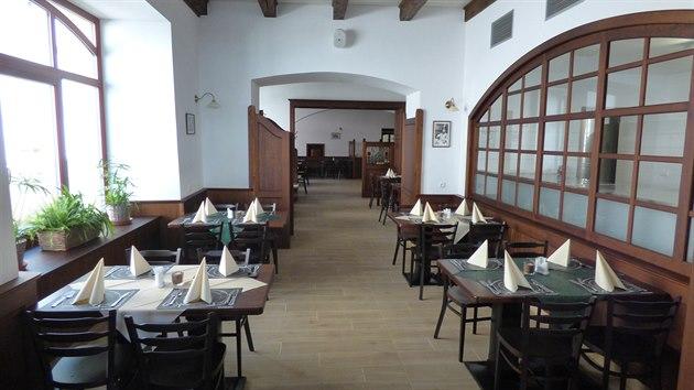 Původní restaurace se rozšířila, takže má nyní zhruba 120 míst k sezení.