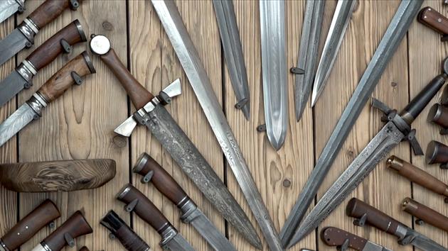 Nože a meče jsou dalším oborem, kterı kutila láká.