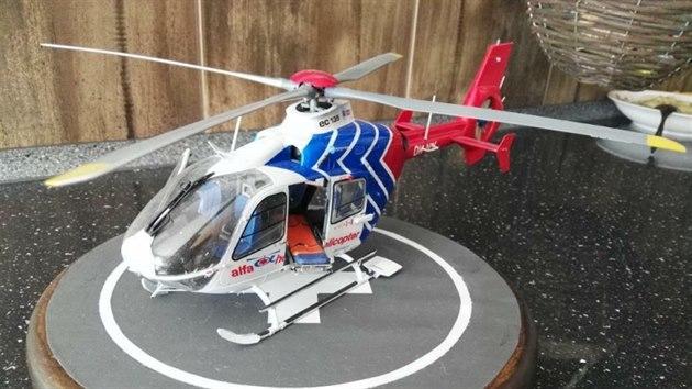 Následovala helikoptéra společnosti Alfa Helicopter, se kterou záchranáři na jihu Moravy létali od roku 2009 do konce roku 2016.