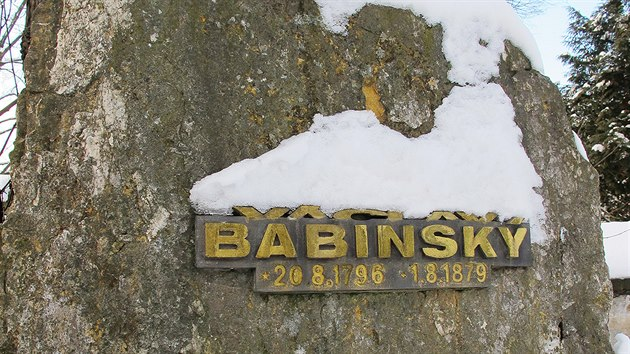 Babinskı dožíval jako zahradník v řepském klášteře sester boromejek. Připomíná ho tam v rohu hřbitova neotesanı balvan s letopočty.