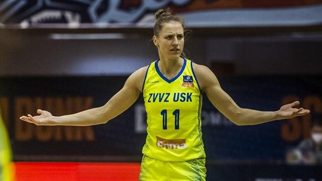 Kateřina Elhotová z USK Praha se podivuje.
