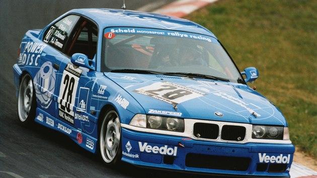 "BMW M3 ""Eifelblitz"" na 24 hodinovém závodu na Nürburgringu v roce 1997"