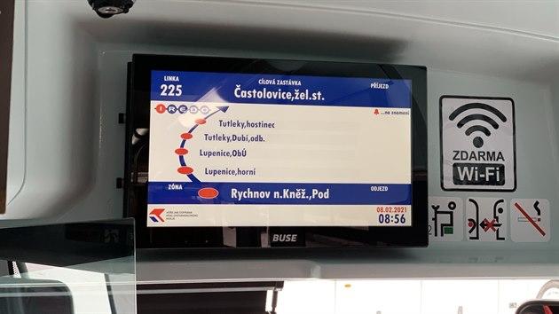 Autobusy jsou vybaveny vnitřním elektronickım informačním panelem – LCD monitorem