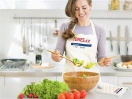 Set do kuchyně, kterı se skládá ze zástěry a rukavice.