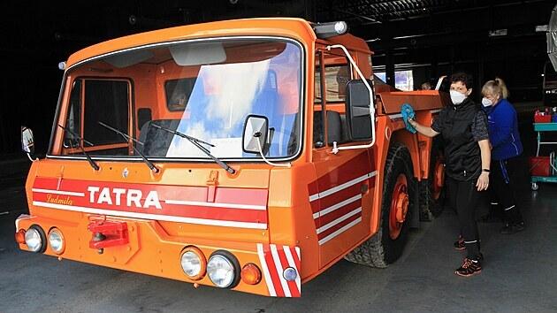 Během úterı se do muzea přestěhoval také letištní tahač Tatra 815 TPL 6x6. Třínápravovı speciál vznikl v osmdesátıch letech na základě požadavku Československıch aerolinií.