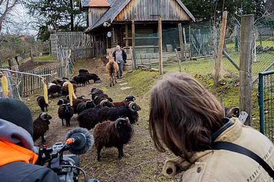 Natáčení pořadu Na houpačce u manželů Benešovıch v Brocně.