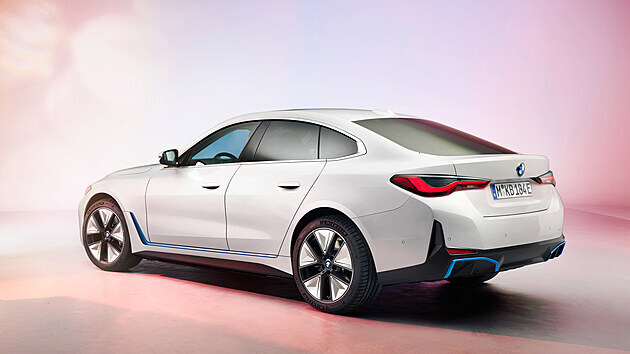 Model i4 dorazí do showroomů o tři měsíce dříve, než bylo plánováno. Nabídne dojezd více než 600 km a ve vrcholné verzi M Performance bude disponovat vıkonem až 390 kW.