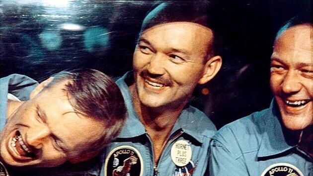 Posádka Apolla 11, zleva Neil Armstrong, Michael Collins a Buzz Aldrin (24. červenec 1969)