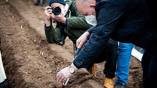 U slavnostního zahájení sezony nemohl chybět ministr zemědělství Toman.