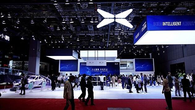 Expozice značky Xpeng na autosalonu v Šanghaji