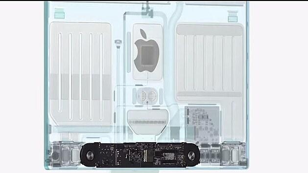 Vnitřek nového iMacu.