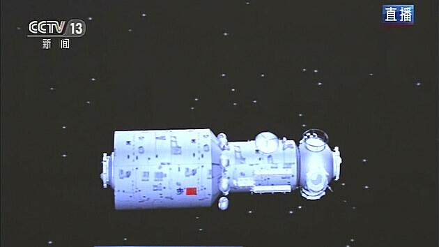 Animace vypuštění prvního modulu čínské vesmírné stanice, kterı se do vesmíru dostal ve čtvrtek 29. dubna 2021.