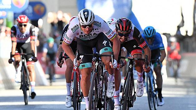 SLOVENSKÉ VÍTĚZSTVÍ. Peter Sagan si jede pro triumf v desáté etapě italského Gira.