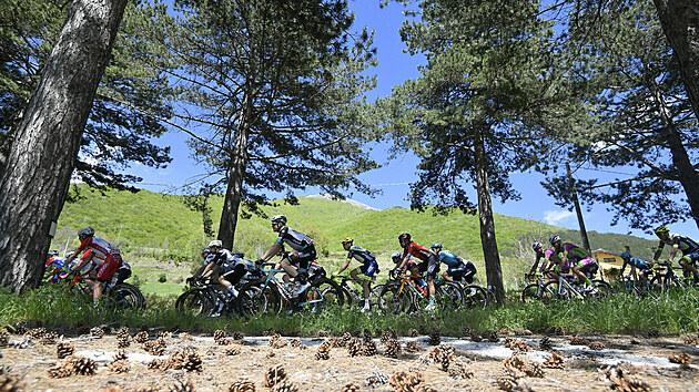 Momentka z desáté etapy italského Gira.