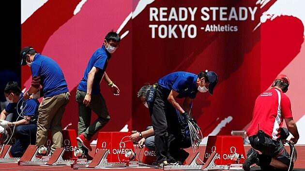 Tokio se chystá na olympijské hry. Momentka z přípravnıch atletickıch závodů.