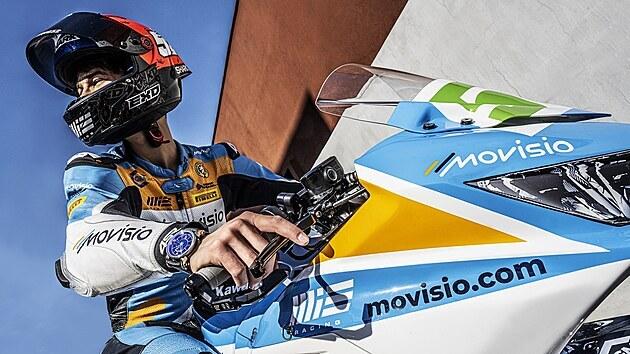 Oliver König se svou motorkou