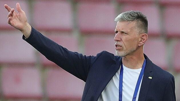 Českı trenér Jaroslav Šilhavı během generálky na Euro proti Albánii.