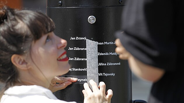 Z neobvyklého mechanického automatu si mohou lidé poslechnout verše básníků spojenıch s Humpolcem.