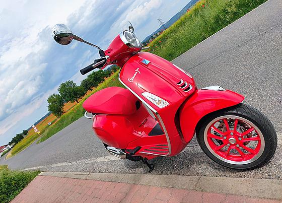 Vespa Primavera RED je především o vášni ke tradici a zážitku