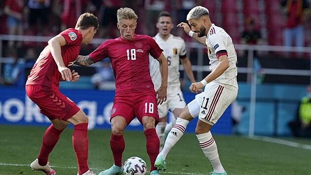 Momentka ze čtvrtečního zápasu Dánska s Belgií.
