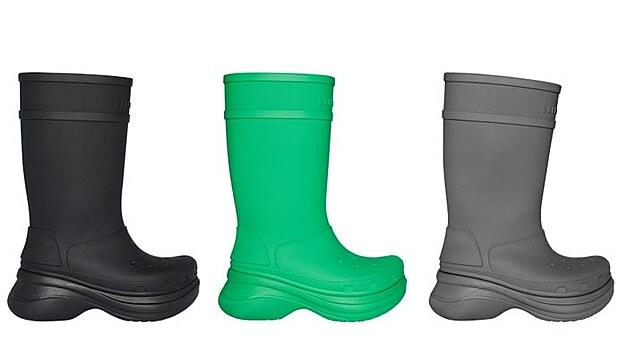 Součástí jarní kolekce Crocs jsou také gumové holínky. (9. června 2021)