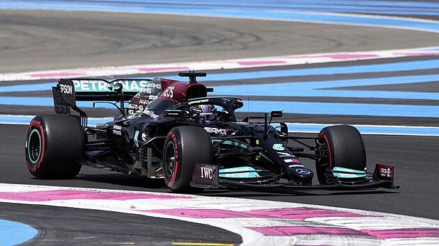 Lewis Hamilton z Mercedesu v tréninku na Velkou cenu Francie F1.