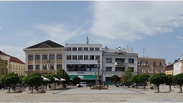 """Vizualizace podoby """"zelené části"""" náměstí T. G. Masaryka v Hranicích poté, co vyrostou vysazené stromy."""
