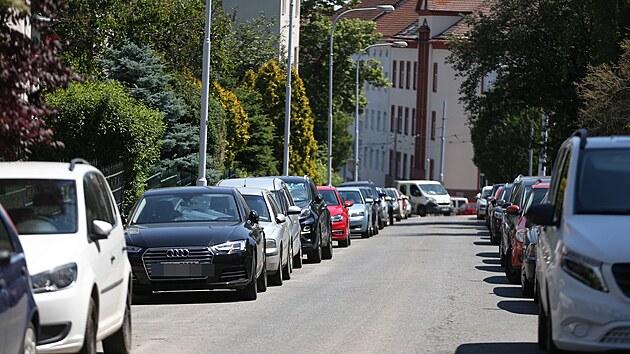 Z ulic brněnské Masarykovy čtvrti se stává parkoviště park and ride. Řidiči tu bezplatně zaparkují a do centra jedou tramvají.