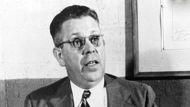 Objev mikrovlnky byl dílem náhody, k níž došlo roku 1945. Percy Spencer, zaměstnanec americké firmy Raytheon Company, testoval v laboratoři magnetrony čili trubice, v nichž se vytváří mikrovlnné záření.