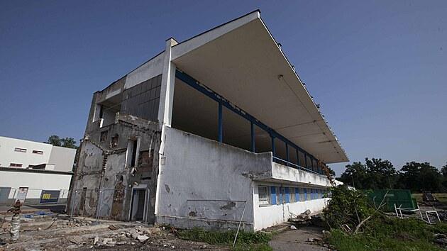 Rekonstrukce letního stadionu v Pardubicích (13. 7. 2021)