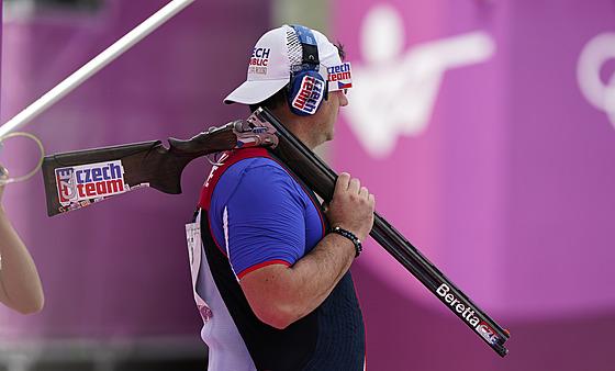 Jiří Lipták v tokijském olympijském závodu v trapu.