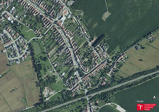 Letecké záběry obce Hrušky před tornádem.