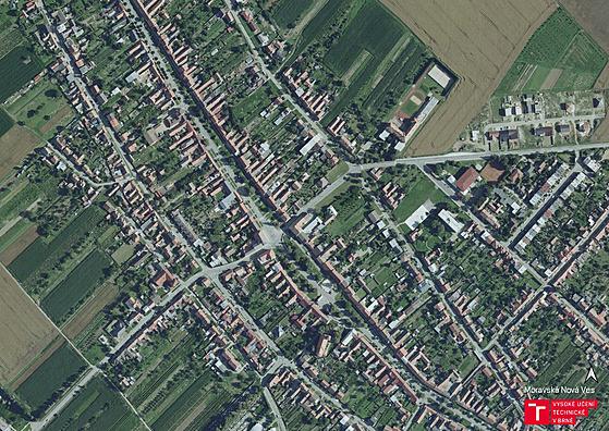 Letecké záběry Moravské Nové Vsi před tornádem.