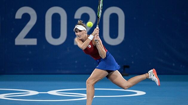 Markéta Vondroušová  v osmifinále olympijského turnaje v Tokiu. (27. července 2021)