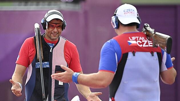 David Kosteleckı (vlevo) a Jiří Lipták bojují proti sobě o zlato na olympiádě v Tokiu 2020 (29. července 2021)