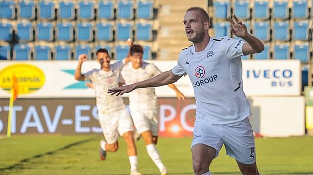 Vlastimil Daníček (Slovácko) se raduje z gólu proti Lokomotivu Plovdiv.