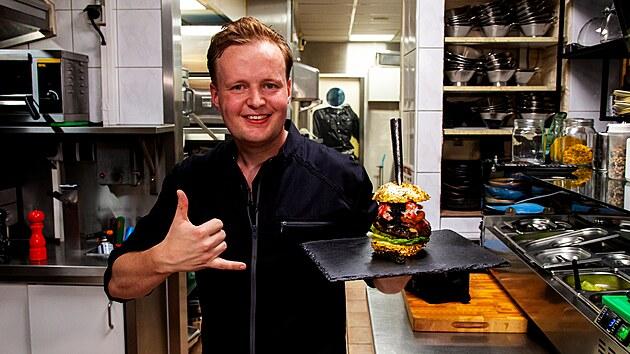 Majitel holandské restaurace De Dalltons, která připravuje nejdražší hamburger na světě.